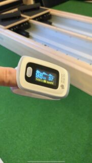 パルスオキシメーターで酸素飽和度測定